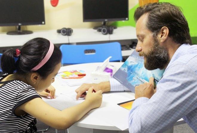 Foreign teachers at language schools lose jobs amid COVID-19 crisis