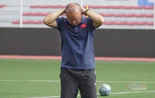 AFF Cup 'chồng' vòng loại World Cup 2022: Thầy Park ôm đầu...