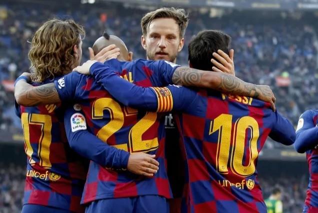 Barca bán tháo 9 cầu thủ để trang trải tài chính