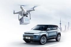 Tránh dịch Covid-19, Geely dùng flycam giao chìa khóa xe