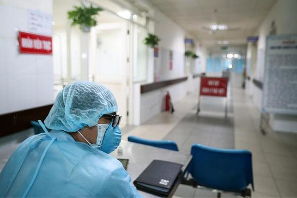 Thủ tướng gửi thư biểu dương các thầy thuốc trong cuộc chiến chống dịch