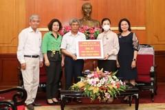 Trường học ủng hộ 500 triệu đồng chống dịch Covid-19