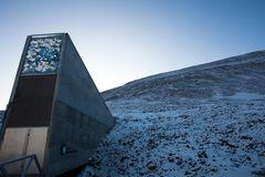 Băng tan ở Bắc Cực khiến nhiều virus chết chóc thoát ra ngoài