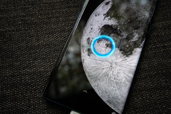 Oppo Find X2 ghi điểm nhờ 'chuẩn sạc nhanh'