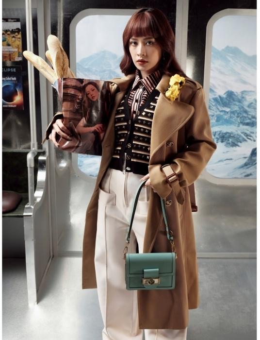 Hoá quý cô thập niên 70, Chi Pu 'dát' lên mình đồ hiệu đắt đỏ