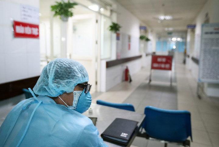TP.HCM yêu cầu nhân viên y tế không dự đám cưới, đám tang để tránh dịch