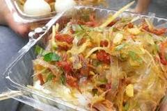 Vietnamese food: Rice paper salad