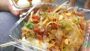 Vietnamese food: Rice paper salad