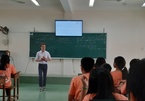 19-year-old French student teaches mathematics in Vietnam