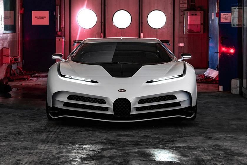 Ronaldo tậu siêu phẩm Bugatti, nối dài danh sách siêu xe bạc tỉ của mình
