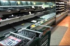 Cố tình ho lên thực phẩm trong siêu thị, người phụ nữ Mỹ đối mặt án hình sự