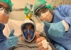 Ý cải biến mặt nạ lặn thành máy trợ thở cho bệnh nhân Covid-19