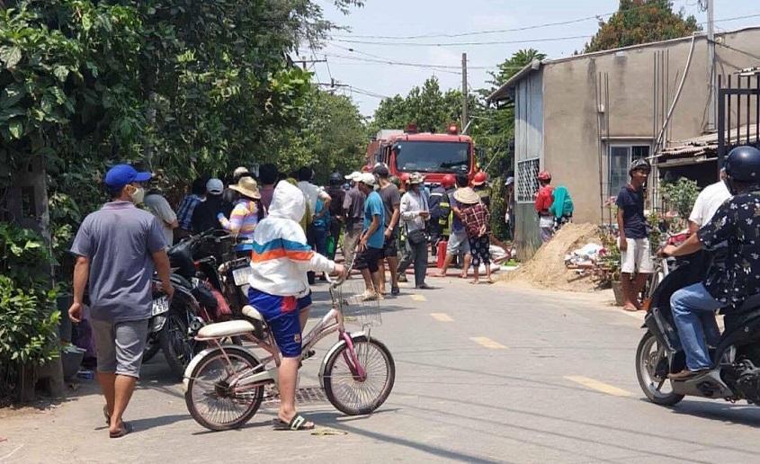 Công an nổ súng vây bắt kẻ nghi ngáo đá cố thủ trong nhà dân