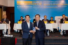 MobiFone nhận giải nhà mạng chăm sóc khách hàng tốt nhất