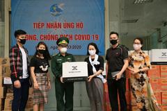 Covid-19: NTK Đỗ Trịnh Hoài Nam tặng 1.000 khẩu trang, nhóm 'Hoa Dâm Bụt' tặng 300 triệu