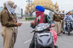 Ấn Độ cách ly khẩn 40.000 dân chỉ vì một bệnh nhân 'siêu lây nhiễm' Covid-19