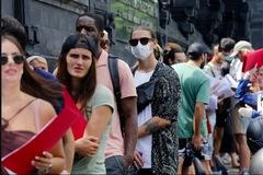 Hàng vạn du khách mắc kẹt ở châu Á vì đóng cửa biên giới