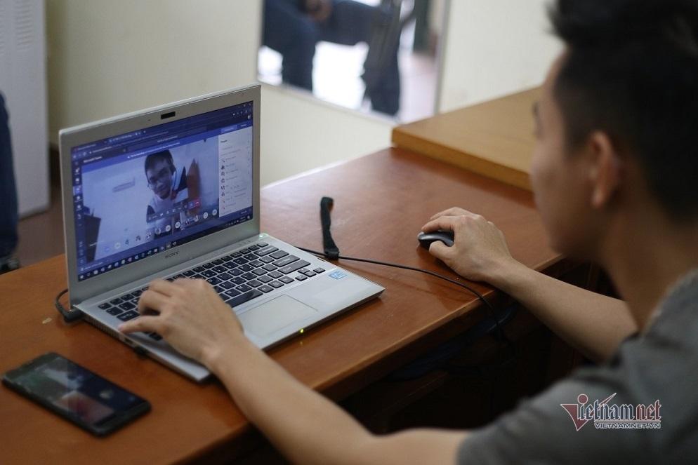 Gỡ khó dạy học trực tuyến, qua truyền hình đợt dịch Covid-19