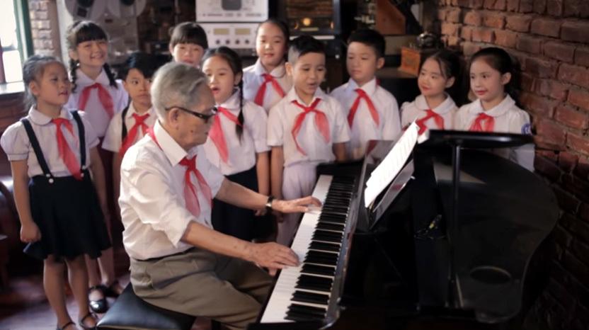 Nhạc sĩ Phạm Tuyên rưng rưng biết tin nhạc sĩ Phong Nhã qua đời