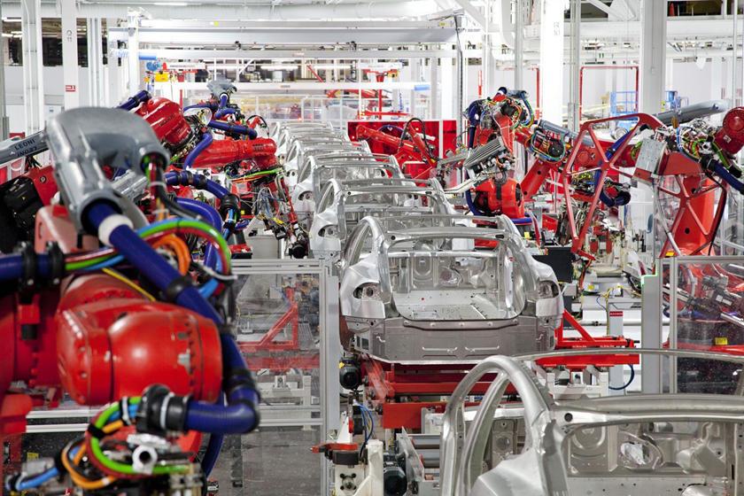 Trung Quốc vượt đỉnh dịch, hàng loạt hãng ô tô quay trở lại sản xuất