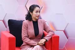 Ốc Thanh Vân xấu hổ vì cãi nhau với chồng nhiều lần trước mặt con