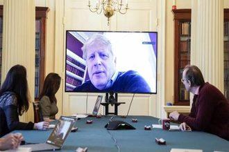 Thủ tướng Anh yêu cầu dân ở nhà, cảnh báo dịch có thể trầm trọng hơn