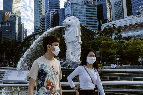 Singapore yêu cầu các bác sĩ ngưng nhận điều trị bệnh nhân ngoại quốc