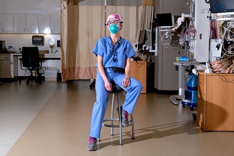 Các bác sĩ viết sẵn di chúc trước khi tham gia chống dịch