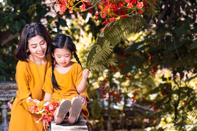 Bộ ảnh đẹp Mai Phương chụp cùng con gái trước khi qua đời