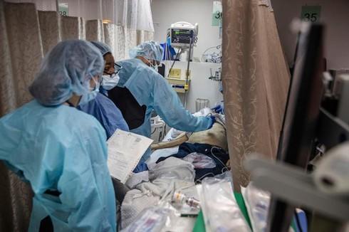 Bác sĩ gốc Việt giữa tâm dịch Covid-19 ở Mỹ: Mỗi ngày đi làm như ra chiến trường!
