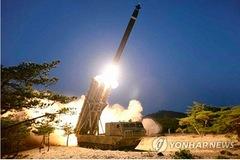 Triều Tiên xác nhận thử bệ phóng rocket đa nòng siêu lớn