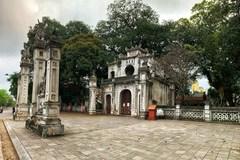 Hanoi's iconic tourist sites sit empty