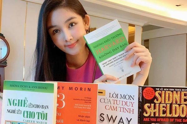 Lê Âu Ngân Anh gợi ý 7 cuốn sách nên đọc giữa mùa dịch