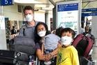 Người Mỹ quay về từ Việt Nam, bất an trước cách chống dịch của quê nhà