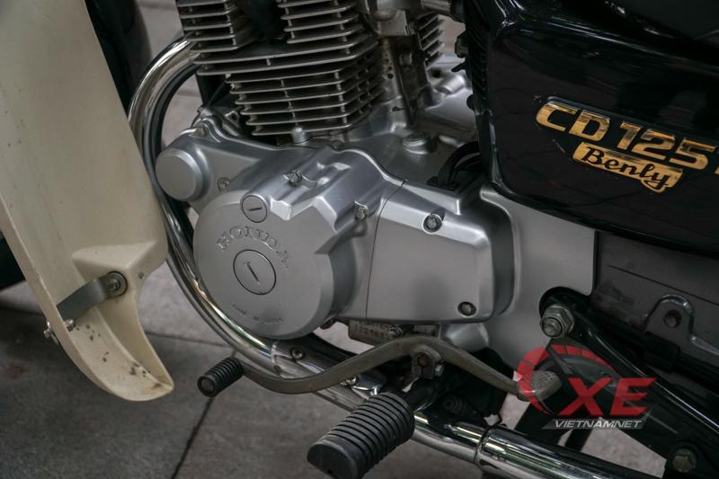 Chất lừ Honda CD 23 năm tuổi giá 220 triệu ở Hà Nội