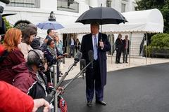 Giữa 'bão' Covid-19, ông Trump bất ngờ khoe có đông người xem họp báo