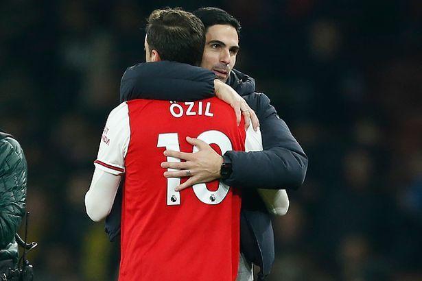 Arsenal trọng dụng Ozil, tuyển ngay 'máy quét'
