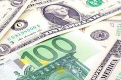 Tỷ giá ngoại tệ ngày 3/4, đồng USD ngược dòng, tăng mạnh