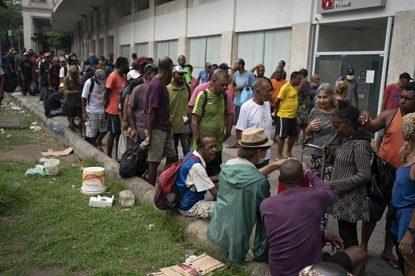 Dân nghèo Mỹ Latinh điêu đứng, cạn tiền vì đại dịch Covid-19