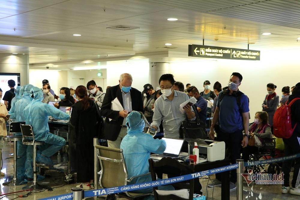 38 người ở TP.HCM tiếp xúc gần với chuyên gia Hàn Quốc nhiễm Covid-19
