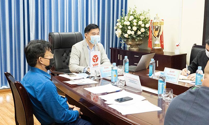 Bầu Tú: 'VPF không tuỳ tiện tổ chức V-League'
