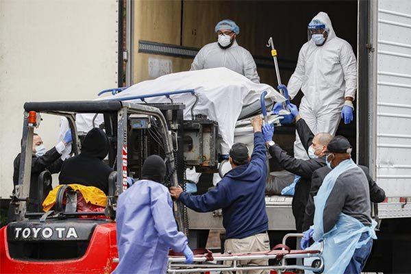 Mỹ vượt TQ về số ca tử vong, thế giới tung thêm đòn trị Covid-19