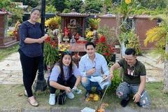 NSND Hồng Vân viếng mộ Anh Vũ nhân một năm ngày mất