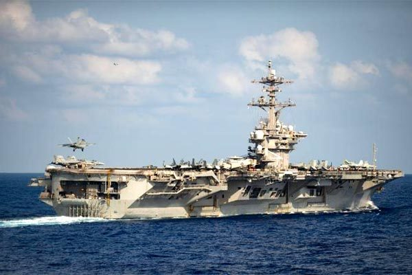 Chỉ huy tàu sân bay Mỹ kêu cứu khẩn cấp vì Covid-19 tấn công dữ dội