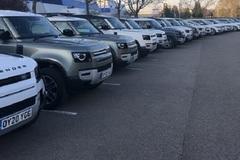 Jaguar Land Rover hỗ trợ 160 xe cho Hội chữ thập đỏ chống Covid-19