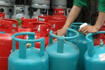Sau xăng, giá gas giảm kỷ lục gần 70.000 đồng/bình