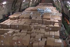 Hình ảnh máy bay Nga chất đầy đồ tiếp tế đi giúp Mỹ chống Covid-19