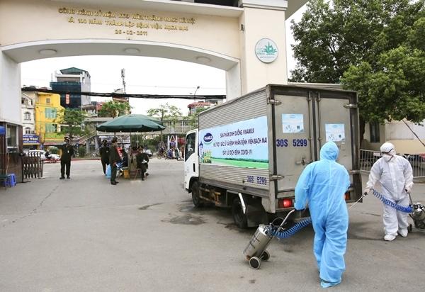 Vinamilk tặng BV Bạch Mai 150 nghìn sản phẩm sữa dinh dưỡng
