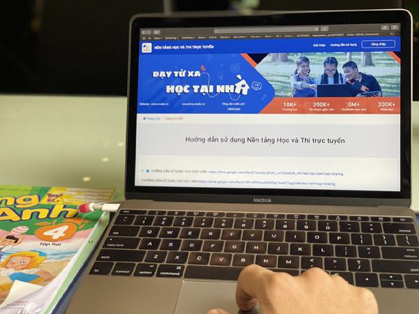 VNPT E-learning - tạm dừng đến trường, nhưng không ngừng việc học