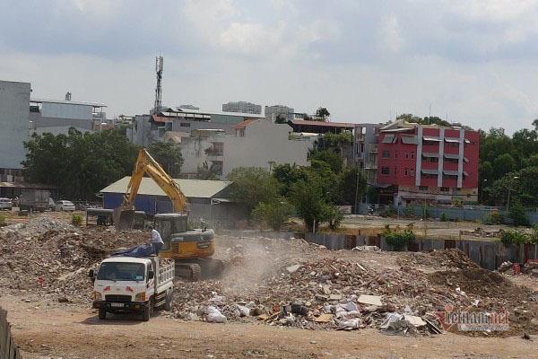 Bãi rác gây ô nhiễm khu phố hoạt động xuyên mùa dịch Covid-19